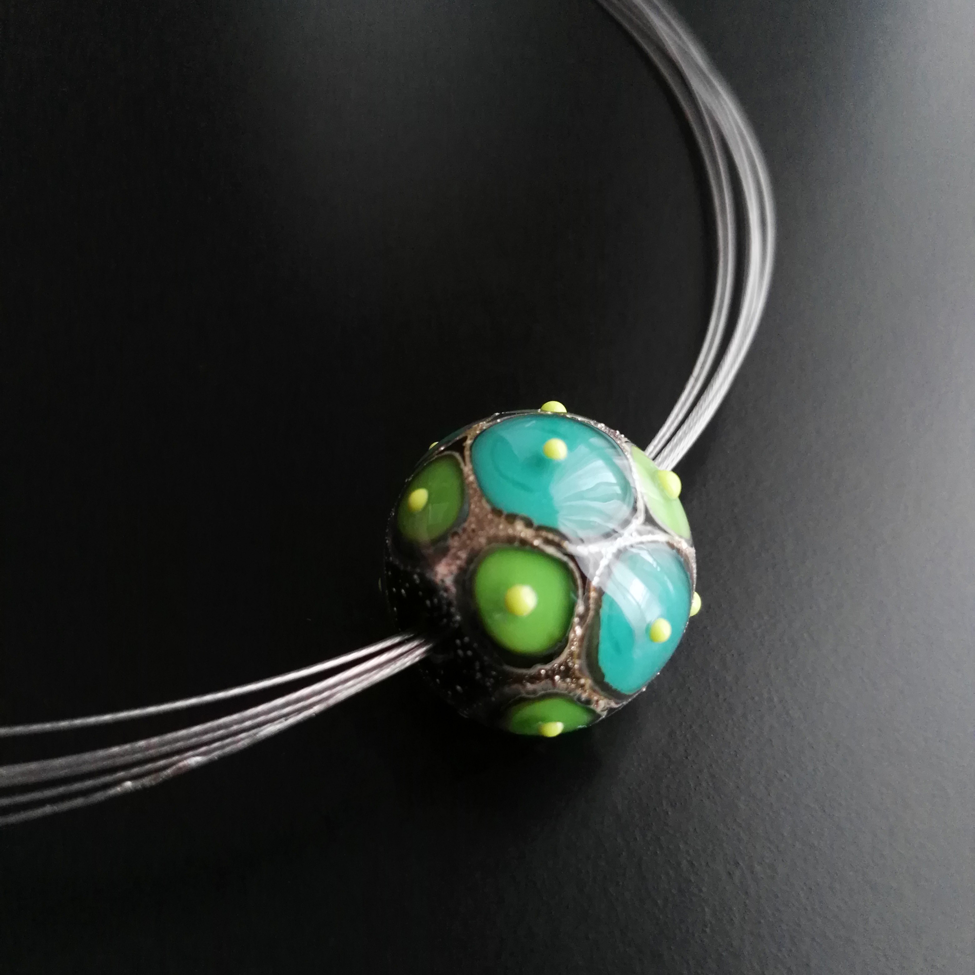 Green small Fenice glass bead
